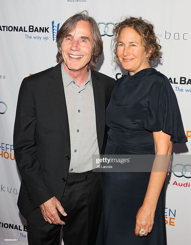 Jackson Browne and Diana Cohen attend the 'Backstage At The Geffen' honoring Billy Crystal at Geffen Playhouse on May 13, 2013 in Los Angeles, California.
