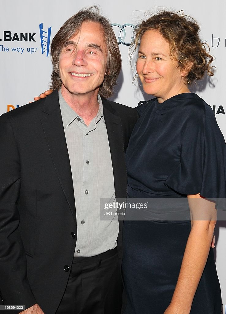 <a gi-track='captionPersonalityLinkClicked' href=/galleries/search?phrase=Jackson+Browne&family=editorial&specificpeople=210572 ng-click='$event.stopPropagation()'>Jackson Browne</a> and Diana Cohen attend the 'Backstage At The Geffen' honoring Billy Crystal at Geffen Playhouse on May 13, 2013 in Los Angeles, California.