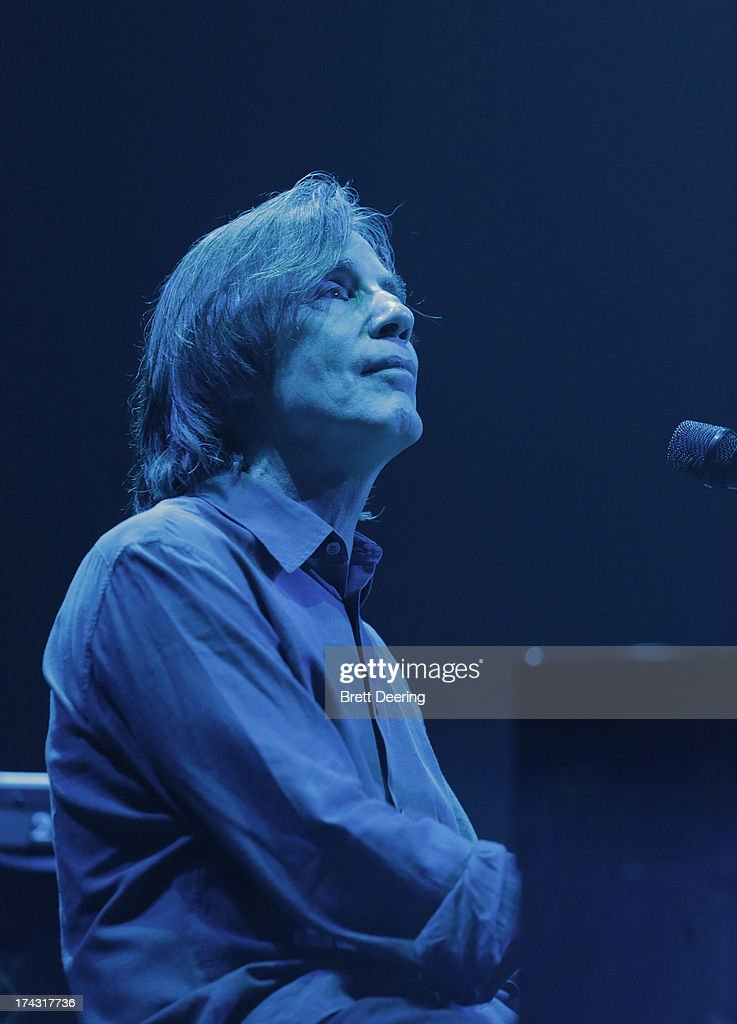 <a gi-track='captionPersonalityLinkClicked' href=/galleries/search?phrase=Jackson+Browne&family=editorial&specificpeople=210572 ng-click='$event.stopPropagation()'>Jackson Browne</a> performs during the Rock for Oklahoma Benefit at the Chesapeake Energy Arena on July 23, 2013 in Oklahoma City, Oklahoma.