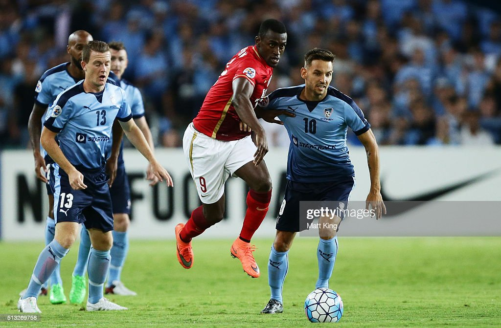 Jackson Martinez of Guangzhou Evergrande controls the ball during the AFC Champions League match between Sydney FC and Guangzhou Evergrande FC at Allianz Stadium on March 2, 2016 in Sydney, Australia.