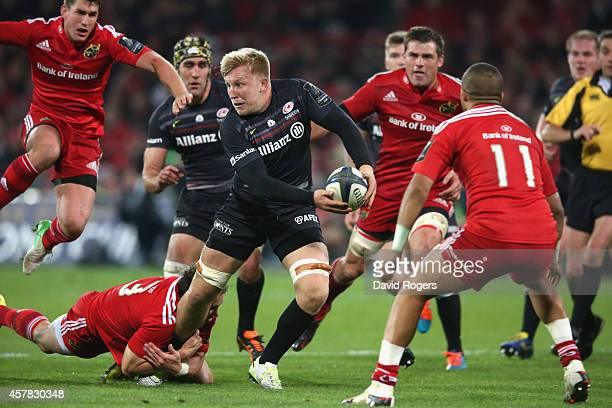 Jackson Wray of Saracens breaks with the ball during the European Rugby Champions Cup match between Munster and Saracens at Thomond Park on October...