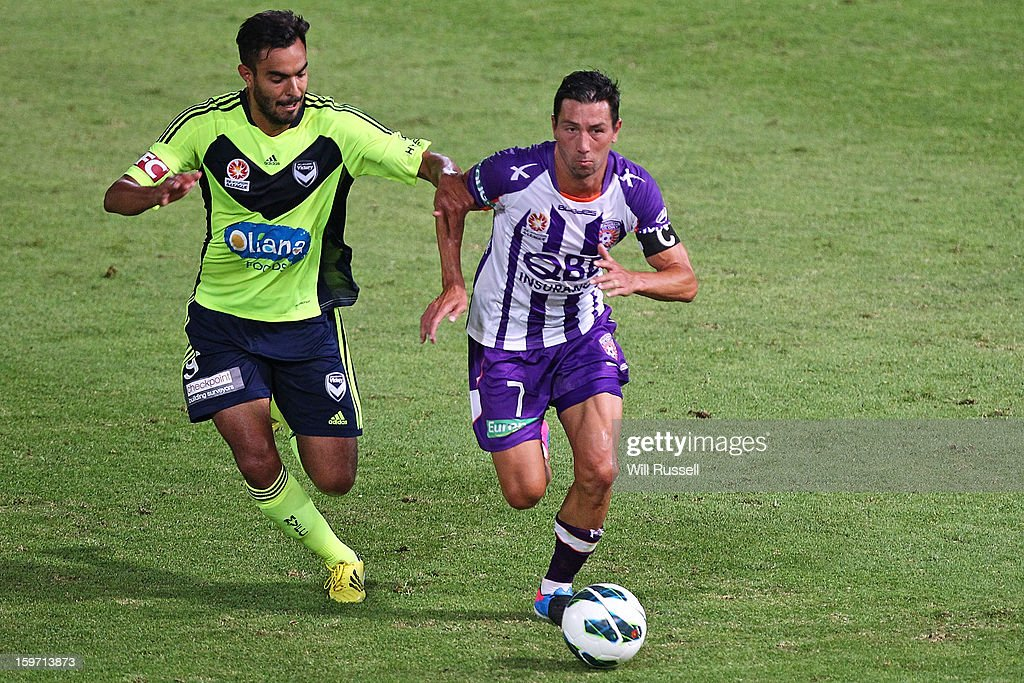 Jacob Burns of the Glory looks to control the ball during the round 17 A-League match between the Perth Glory and the Melbourne Victory at nib Stadium on January 19, 2013 in Perth, Australia.
