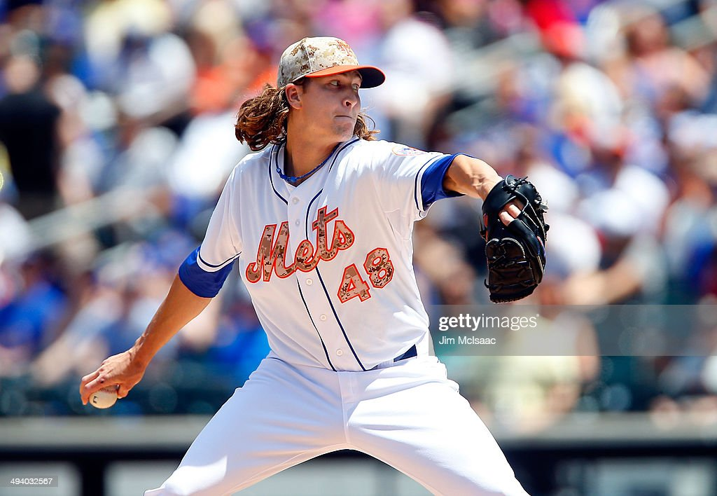 <a gi-track='captionPersonalityLinkClicked' href=/galleries/search?phrase=Jacob+deGrom&family=editorial&specificpeople=12510601 ng-click='$event.stopPropagation()'>Jacob deGrom</a> #48 of the New York Mets in action against the Pittsburgh Pirates at Citi Field on May 26, 2014 in the Flushing neighborhood of the Queens borough of New York City. The Pirates defeated the Mets 5-3.