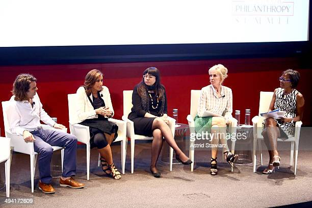 Jacob Lief Donna Karan Meighan Stone Trudie Styler and Deborah Roberts speak at the Town Country Inaugural Philanthropy Summit at Hearst Tower on May...