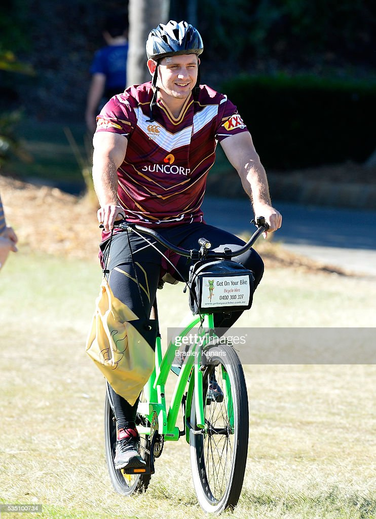 <a gi-track='captionPersonalityLinkClicked' href=/galleries/search?phrase=Jacob+Lillyman&family=editorial&specificpeople=729961 ng-click='$event.stopPropagation()'>Jacob Lillyman</a> arrives to training on a push bike during a Queensland Maroons State of Origin training session on May 29, 2016 in Gold Coast, Australia.