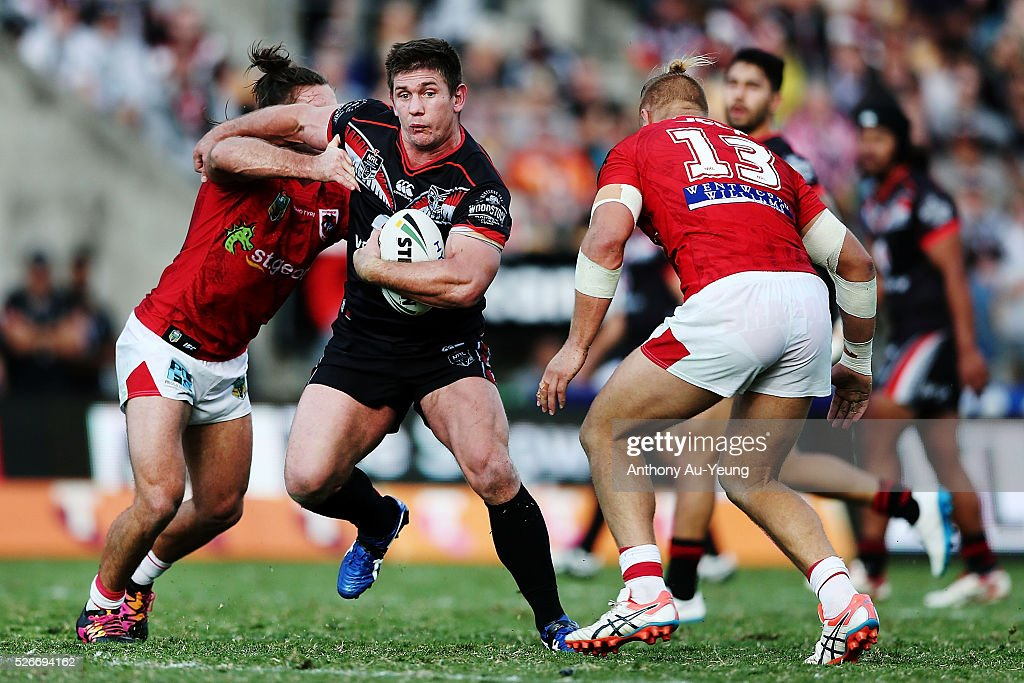 <a gi-track='captionPersonalityLinkClicked' href=/galleries/search?phrase=Jacob+Lillyman&family=editorial&specificpeople=729961 ng-click='$event.stopPropagation()'>Jacob Lillyman</a> of the Warriors on the charge during the round nine NRL match between the New Zealand Warriors and the St George Illawarra Dragons at Mt Smart Stadium on May 1, 2016 in Auckland, New Zealand.