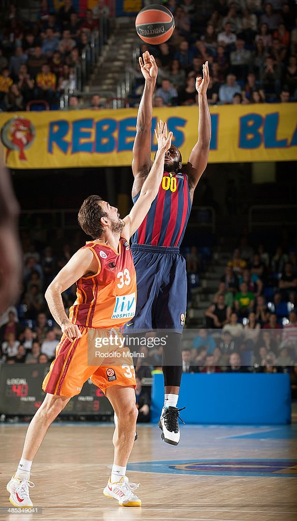 Jacob Pullen, #00 of FC Barcelona in action during the Turkish Airlines Euroleague Basketball Play Off Game 2 between FC Barcelona Regal v Galatasaray Liv Hospital Istanbul at Palau Blaugrana on April 17, 2014 in Barcelona, Spain.