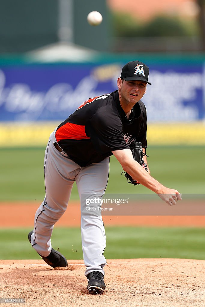 <a gi-track='captionPersonalityLinkClicked' href=/galleries/search?phrase=Jacob+Turner&family=editorial&specificpeople=6265113 ng-click='$event.stopPropagation()'>Jacob Turner</a> #33 of the Miami Marlins pitches against the St. Louis Cardinals at Roger Dean Stadium on February 28, 2013 in Jupiter, Florida.
