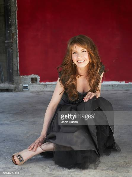 Jacqueline McKenzie lesbian photo 90