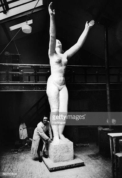 Jacqueline Zay French sculptor ' La Liberte ' at an exhibition in San Francisco 1939 RV932241