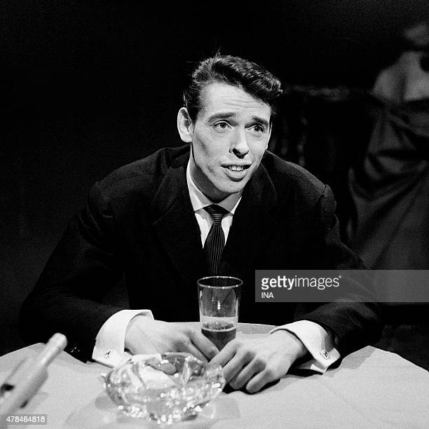 Jacques Brel sings in the program ''Behind Laporte''