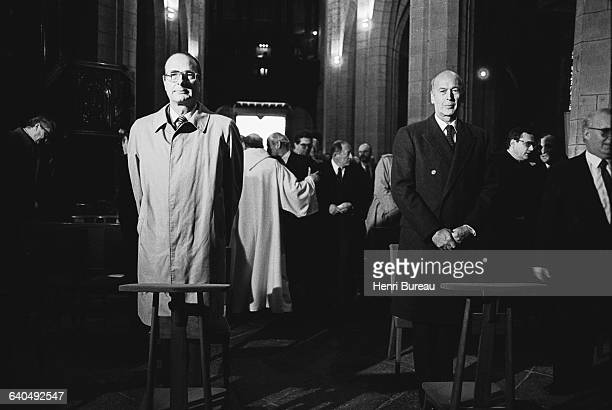 Jacques Chirac and Valery Giscard D'Estaing in church for the tenth anniversary of Georges Pompidou's death | Location Saint Flour France