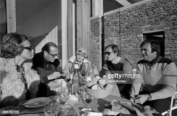 Jacques Chirac his wife Bernadette and daughter Laurence talking with Leo Lacroix and JeanClaude Killy in Les Menuires where they are taking their...