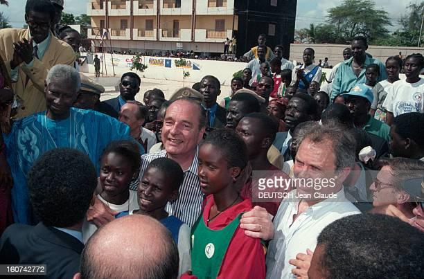 Jacques Chirac On Tour In Africa Step In Senegal Dakar Juillet 1995 lors de son voyage officiel en Afrique le président français Jacques CHIRAC en...