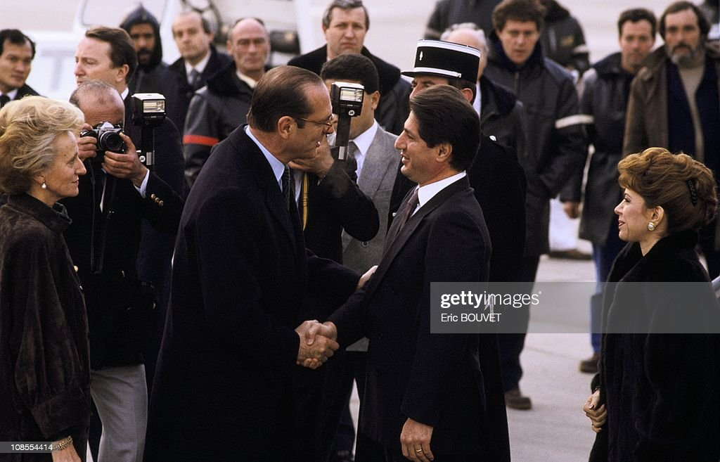 <a gi-track='captionPersonalityLinkClicked' href=/galleries/search?phrase=Jacques+Chirac&family=editorial&specificpeople=165237 ng-click='$event.stopPropagation()'>Jacques Chirac</a> shaking hands with Amine Gemayel in Paris, France in February , 1987.