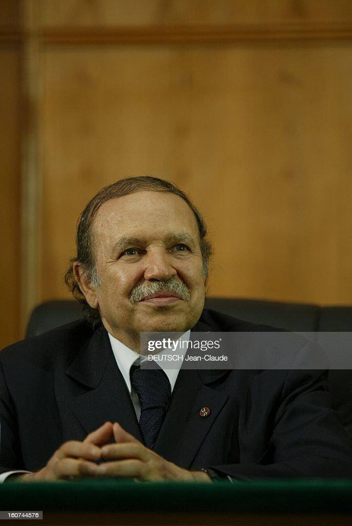 Jacques Chirac Visit In Algeria. Portrait du président algérien Abdelaziz BOUTEFLIKA.