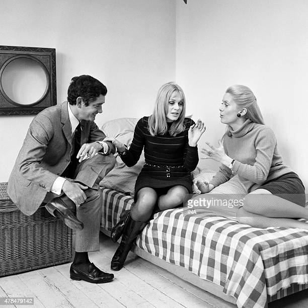 Jacques Demy Catherine Deneuve and Francoise Dorleac gathered for an interview on the exit of their movie ''The young ladies of Rochefort''