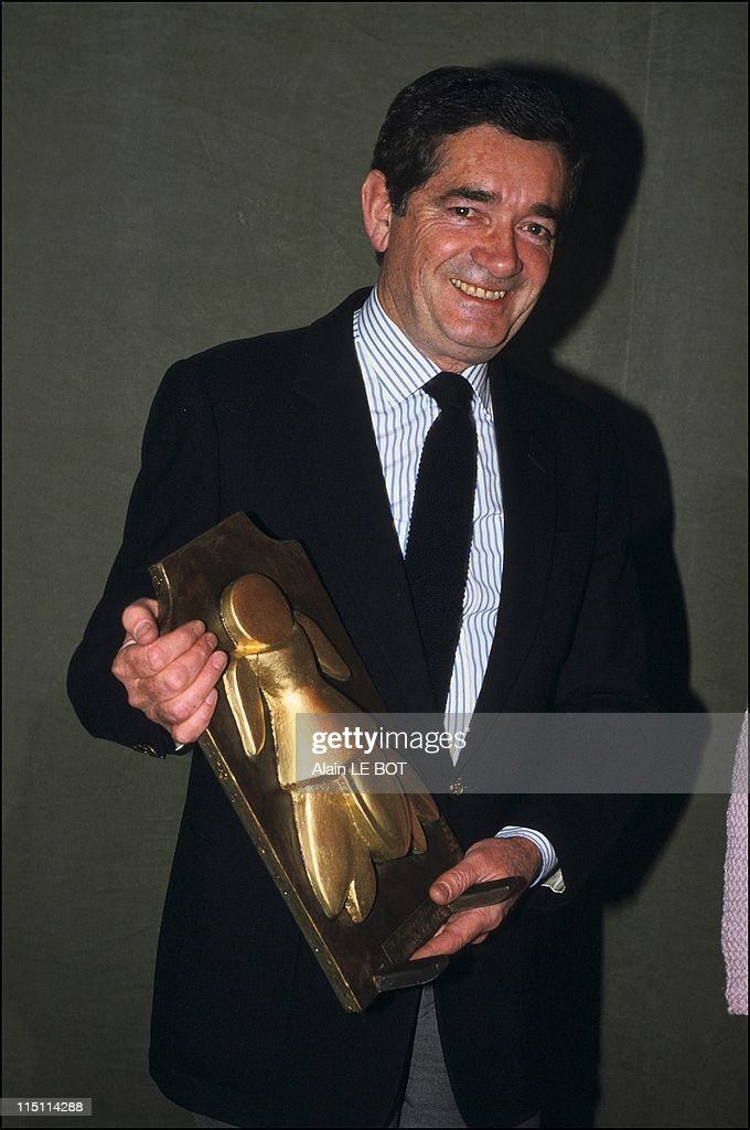<a gi-track='captionPersonalityLinkClicked' href=/galleries/search?phrase=Jacques+Demy&family=editorial&specificpeople=896284 ng-click='$event.stopPropagation()'>Jacques Demy</a> receives 'La Cigale d'Or' award in Nantes, France on April 29, 1985.