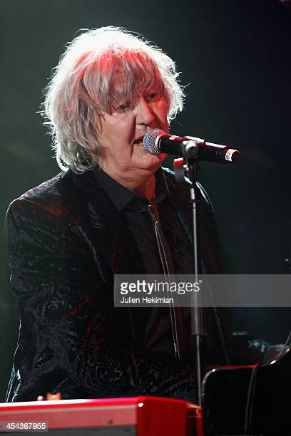 Jacques Higelin performs on stage during the 50th anniversary celebration of french radio France Inter at La Gaite Lyrique on December 8 2013 in...