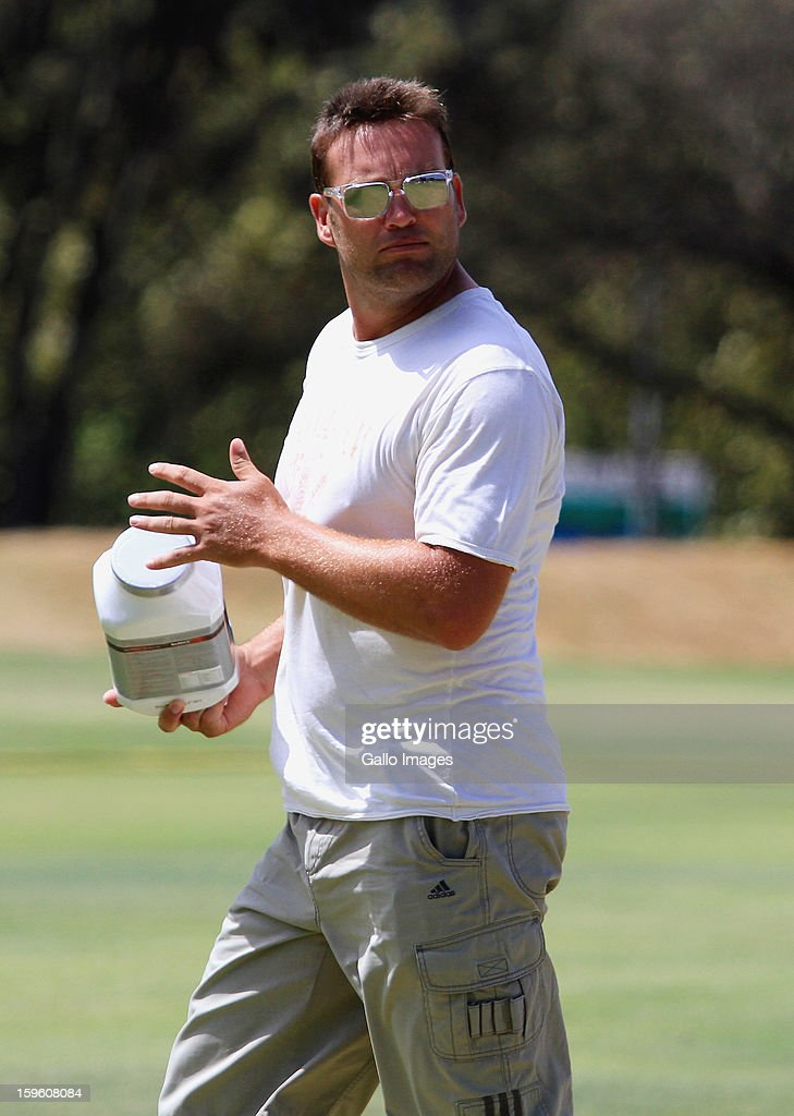 <a gi-track='captionPersonalityLinkClicked' href=/galleries/search?phrase=Jacques+Kallis&family=editorial&specificpeople=184509 ng-click='$event.stopPropagation()'>Jacques Kallis</a> leaves the South African national cricket team nets session and press conference at Claremont Cricket Club on January 17, 2013 in Cape Town, South Africa.
