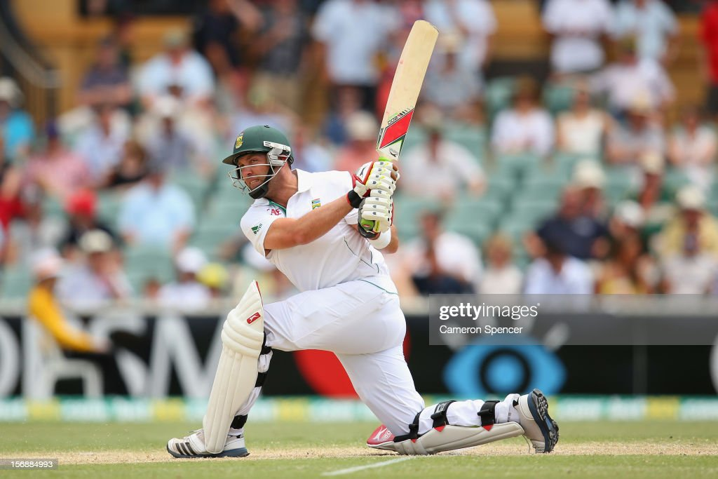 Jacques Kallis of South Africa bats during day three of the Second Test Match between Australia and South Africa at Adelaide Oval on November 24, 2012 in Adelaide, Australia.