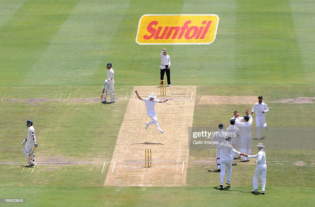 Jacques Kallis of South Africa celebrates a wicket during day 2 of the 1st Test match between South Africa and Pakistan at Bidvest Wanderers Stadium on February 02, 2013 in Johannesburg, South Africa.