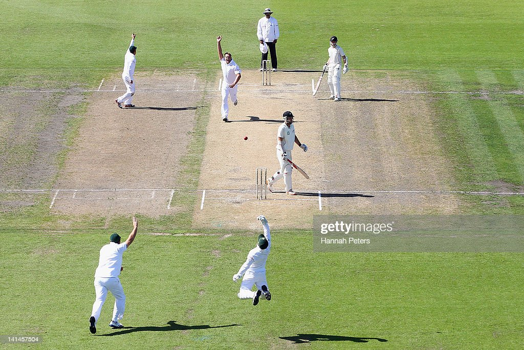 Jacques Kallis of South Africa celebrates the wicket of Daniel Vettori of New Zealand during day three of the Second Test match between New Zealand...