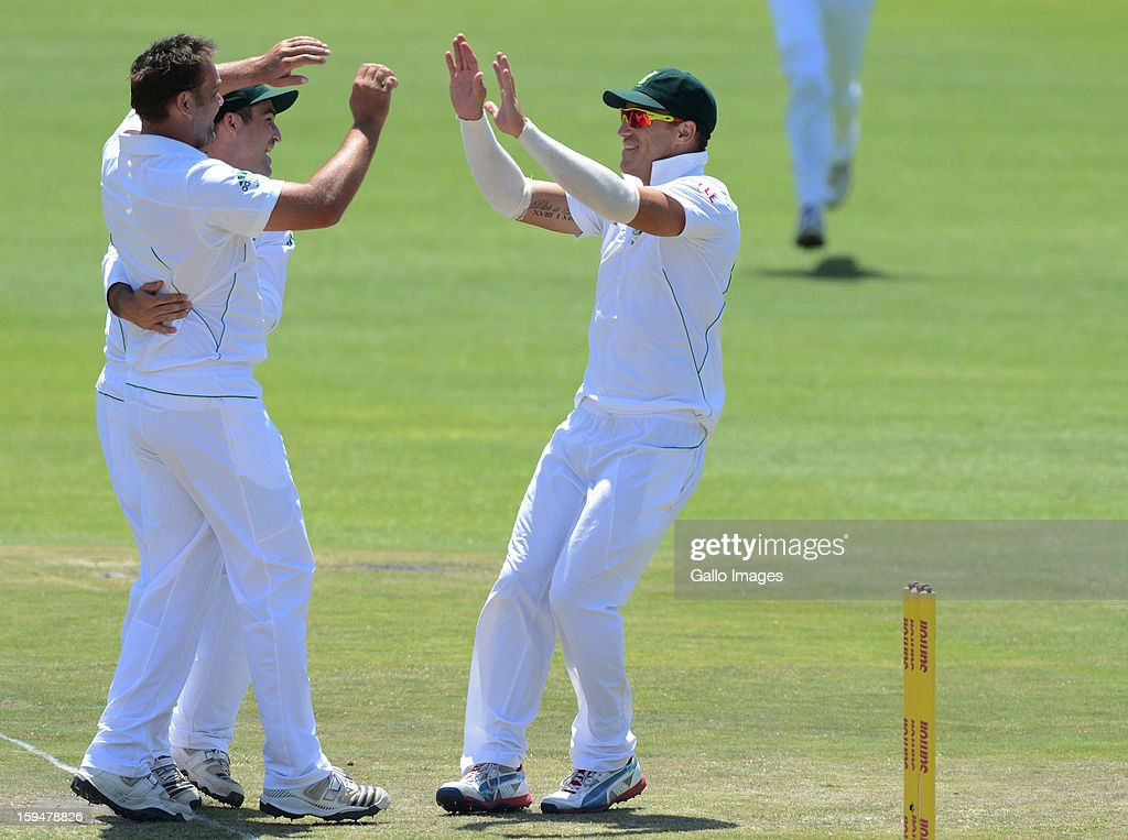 Jacques Kallis of South Africa celebrates the wicket of Dean Browlie of new Zealand during day 4 of the 2nd Test match between South Africa and New Zealand at Axxess St Georges on January 14, 2013 in Port Elizabeth, South Africa.