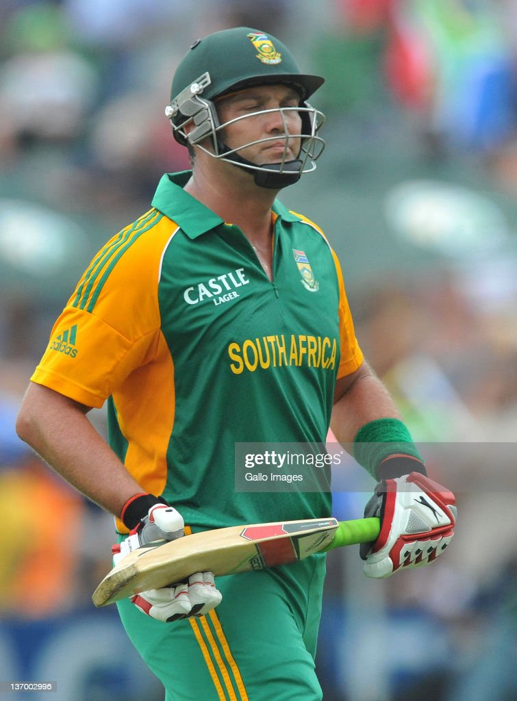 Jacques Kallis of South Africa walks off after being dismissed for 37 runs during the 2nd One Day International match between South Africa and Sri Lanka at Buffalo Park on January 14, 2012 in East London, South Africa.