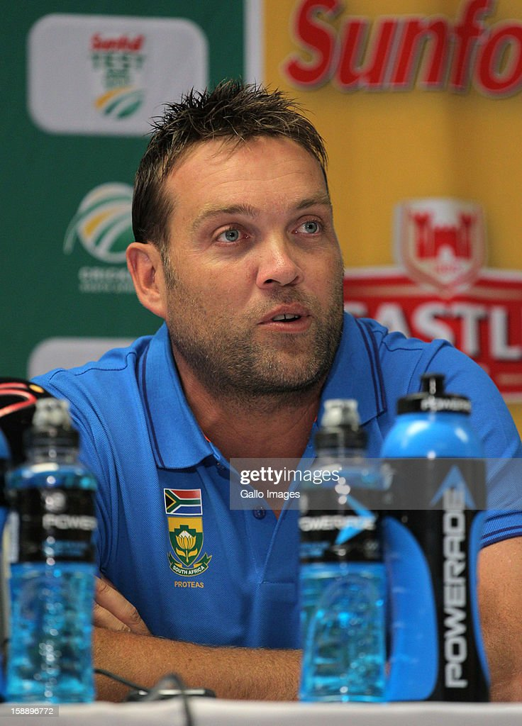 <a gi-track='captionPersonalityLinkClicked' href=/galleries/search?phrase=Jacques+Kallis&family=editorial&specificpeople=184509 ng-click='$event.stopPropagation()'>Jacques Kallis</a> of the Proteas speaks during the day 1 press conference of the 1st Test between South Africa and New Zealand at Sahara Park Newlands on January 02, 2013 in Cape Town, South Africa.