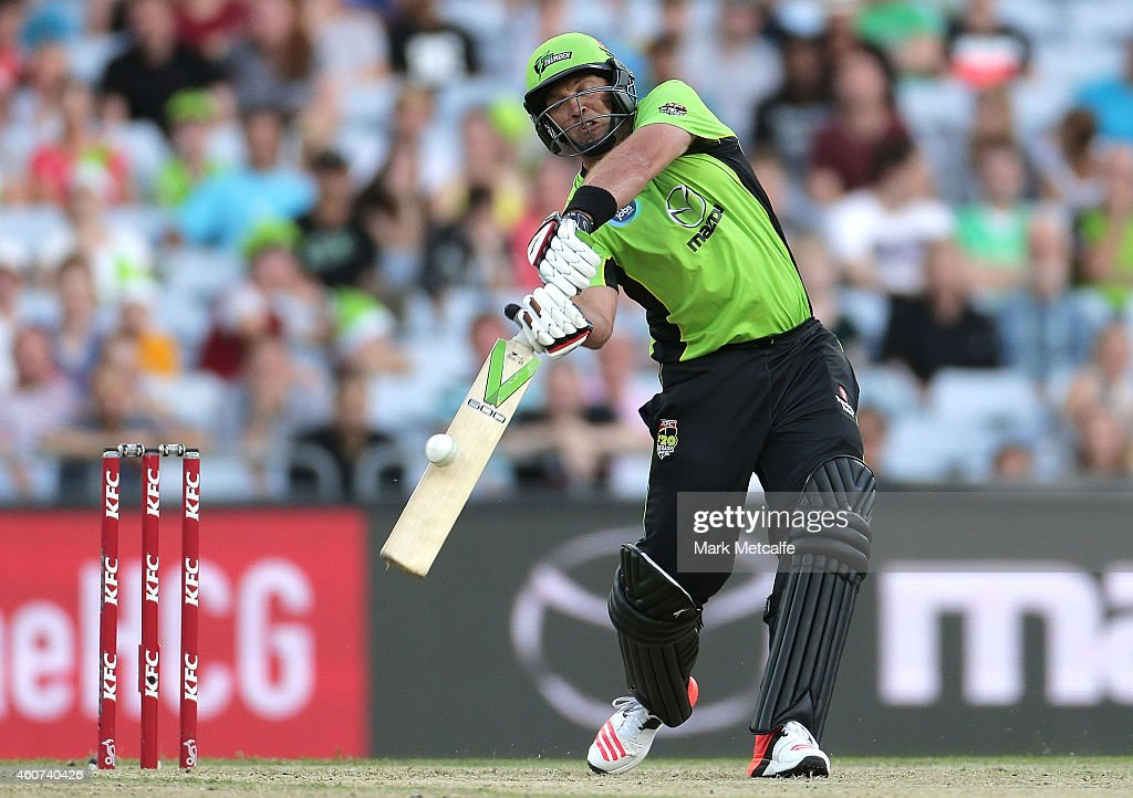 Jacques Kallis of the Thunder bats during the Big Bash League match between the Sydney Thunder and Brisbane Heat at ANZ Stadium on December 21, 2014 in Sydney, Australia.