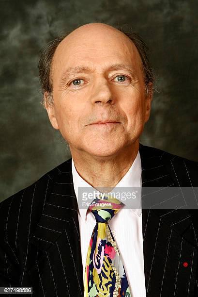 Jacques Maillot on the set of TV show 'Piques et Polemiques'