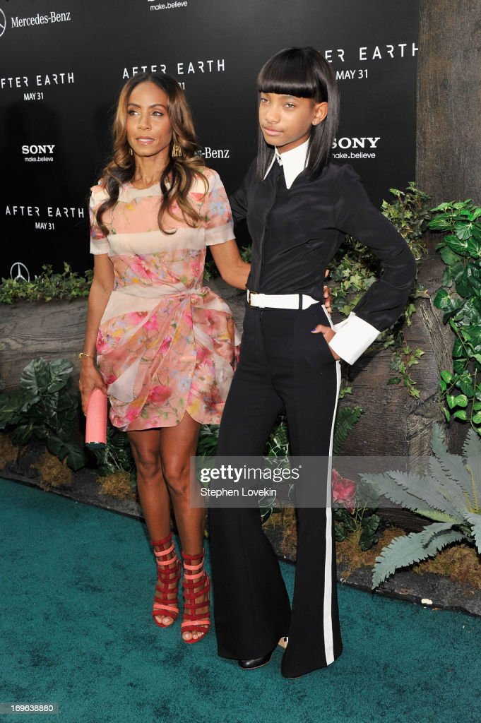 <a gi-track='captionPersonalityLinkClicked' href=/galleries/search?phrase=Jada+Pinkett+Smith&family=editorial&specificpeople=201837 ng-click='$event.stopPropagation()'>Jada Pinkett Smith</a> and <a gi-track='captionPersonalityLinkClicked' href=/galleries/search?phrase=Willow+Smith&family=editorial&specificpeople=869488 ng-click='$event.stopPropagation()'>Willow Smith</a> attend the 'After Earth' premiere at Ziegfeld Theater on May 29, 2013 in New York City.