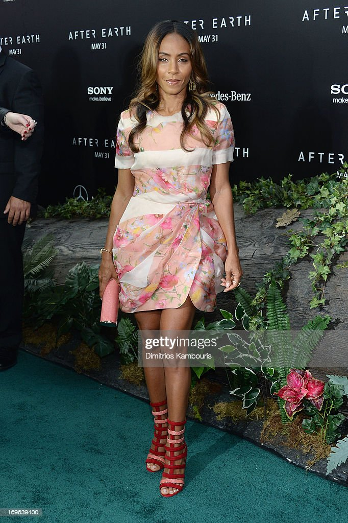 <a gi-track='captionPersonalityLinkClicked' href=/galleries/search?phrase=Jada+Pinkett+Smith&family=editorial&specificpeople=201837 ng-click='$event.stopPropagation()'>Jada Pinkett Smith</a> attends the 'After Earth' premiere at Ziegfeld Theater on May 29, 2013 in New York City.