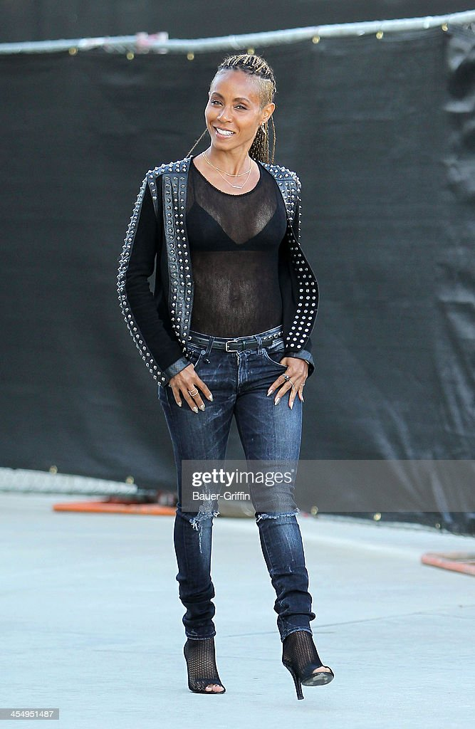 <a gi-track='captionPersonalityLinkClicked' href=/galleries/search?phrase=Jada+Pinkett+Smith&family=editorial&specificpeople=201837 ng-click='$event.stopPropagation()'>Jada Pinkett Smith</a> is seen shopping in West Hollywood on December 10, 2013 in Los Angeles, California.