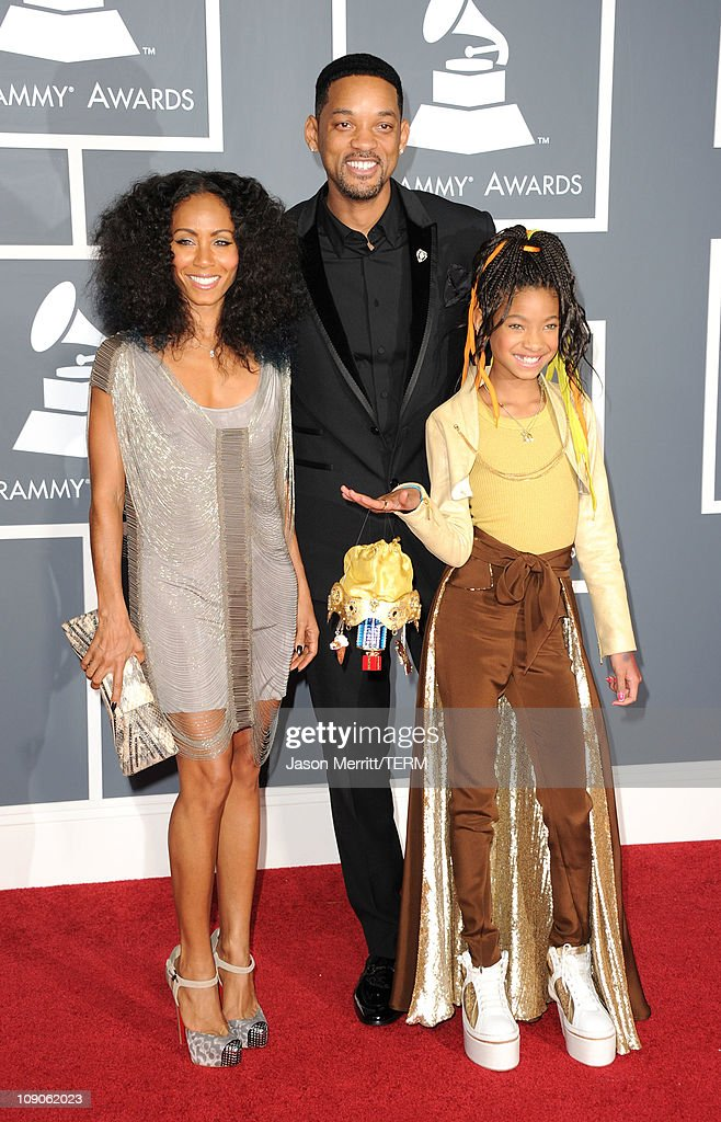 <a gi-track='captionPersonalityLinkClicked' href=/galleries/search?phrase=Jada+Pinkett+Smith&family=editorial&specificpeople=201837 ng-click='$event.stopPropagation()'>Jada Pinkett Smith</a>, Will Smith and <a gi-track='captionPersonalityLinkClicked' href=/galleries/search?phrase=Jaden+Smith&family=editorial&specificpeople=709174 ng-click='$event.stopPropagation()'>Jaden Smith</a> arrive at The 53rd Annual GRAMMY Awards held at Staples Center on February 13, 2011 in Los Angeles, California.