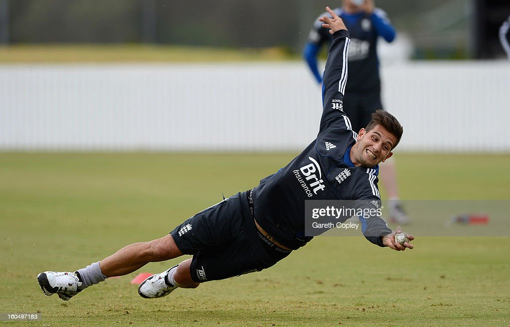 <a gi-track='captionPersonalityLinkClicked' href=/galleries/search?phrase=Jade+Dernbach&family=editorial&specificpeople=667885 ng-click='$event.stopPropagation()'>Jade Dernbach</a> of England takes part in a fielding drill during a nets session at Cobham Oval on February 2, 2013 in Whangarei, New Zealand.