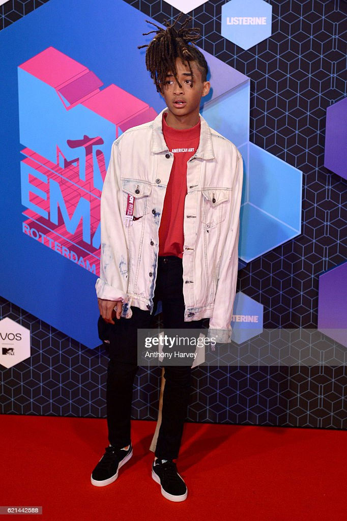 jaden-smith-attends-the-mtv-europe-music-awards-2016-on-november-6-picture-id621442588