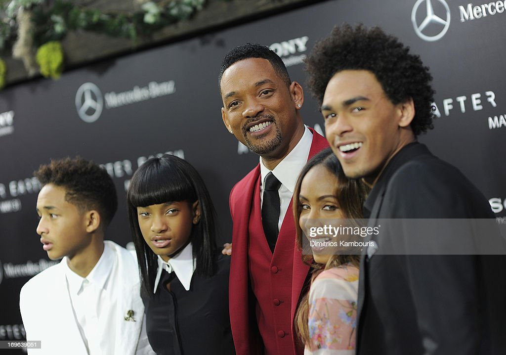 <a gi-track='captionPersonalityLinkClicked' href=/galleries/search?phrase=Jaden+Smith&family=editorial&specificpeople=709174 ng-click='$event.stopPropagation()'>Jaden Smith</a>, <a gi-track='captionPersonalityLinkClicked' href=/galleries/search?phrase=Willow+Smith&family=editorial&specificpeople=869488 ng-click='$event.stopPropagation()'>Willow Smith</a>, <a gi-track='captionPersonalityLinkClicked' href=/galleries/search?phrase=Will+Smith+-+Actor+-+Born+1968&family=editorial&specificpeople=156403 ng-click='$event.stopPropagation()'>Will Smith</a>, <a gi-track='captionPersonalityLinkClicked' href=/galleries/search?phrase=Jada+Pinkett+Smith&family=editorial&specificpeople=201837 ng-click='$event.stopPropagation()'>Jada Pinkett Smith</a> and <a gi-track='captionPersonalityLinkClicked' href=/galleries/search?phrase=Trey+Smith&family=editorial&specificpeople=1042458 ng-click='$event.stopPropagation()'>Trey Smith</a> attend the 'After Earth' premiere at the Ziegfeld Theater on May 29, 2013 in New York City.