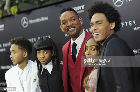 Jaden Smith Willow Smith Will Smith Jada Pinkett Smith and Trey Smith attend the 'After Earth' premiere at the Ziegfeld Theater on May 29 2013 in New...