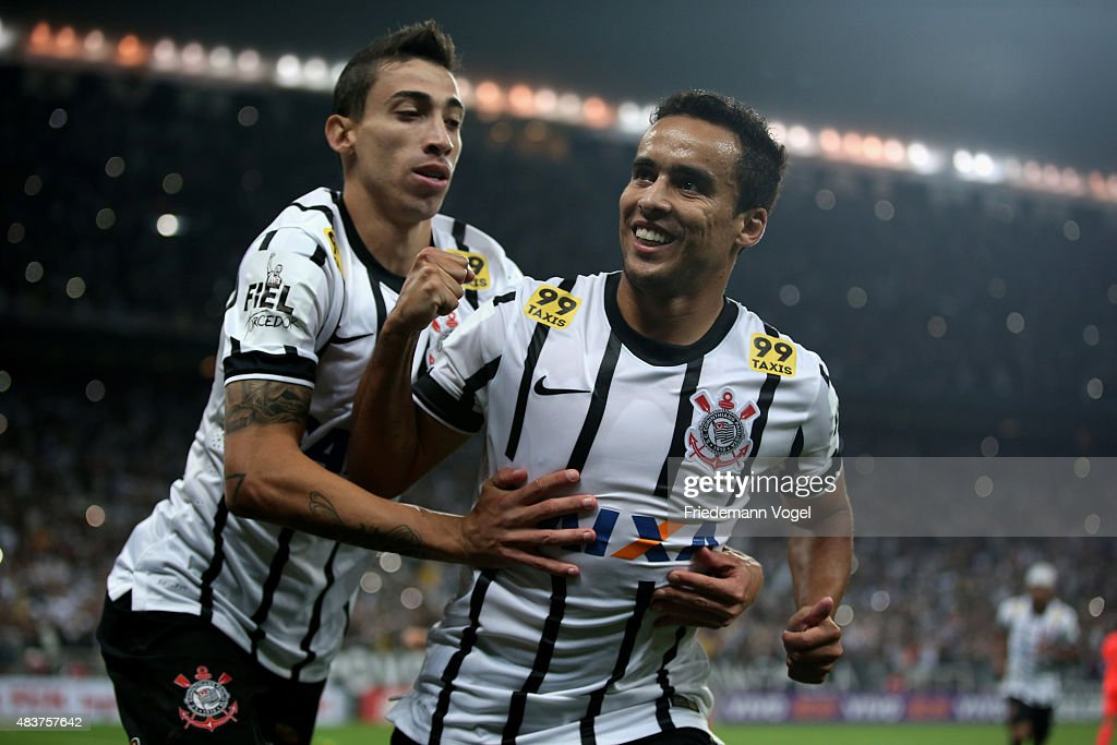 <a gi-track='captionPersonalityLinkClicked' href=/galleries/search?phrase=Jadson&family=editorial&specificpeople=3964470 ng-click='$event.stopPropagation()'>Jadson</a> (R) of Corinthians celebrates scoring the fourth goal with Rildo (L) during the match between Corinthians and Sport Recife for the Brazilian Series A 2015 at Arena Corinthians on August 12, 2015 in Sao Paulo, Brazil.