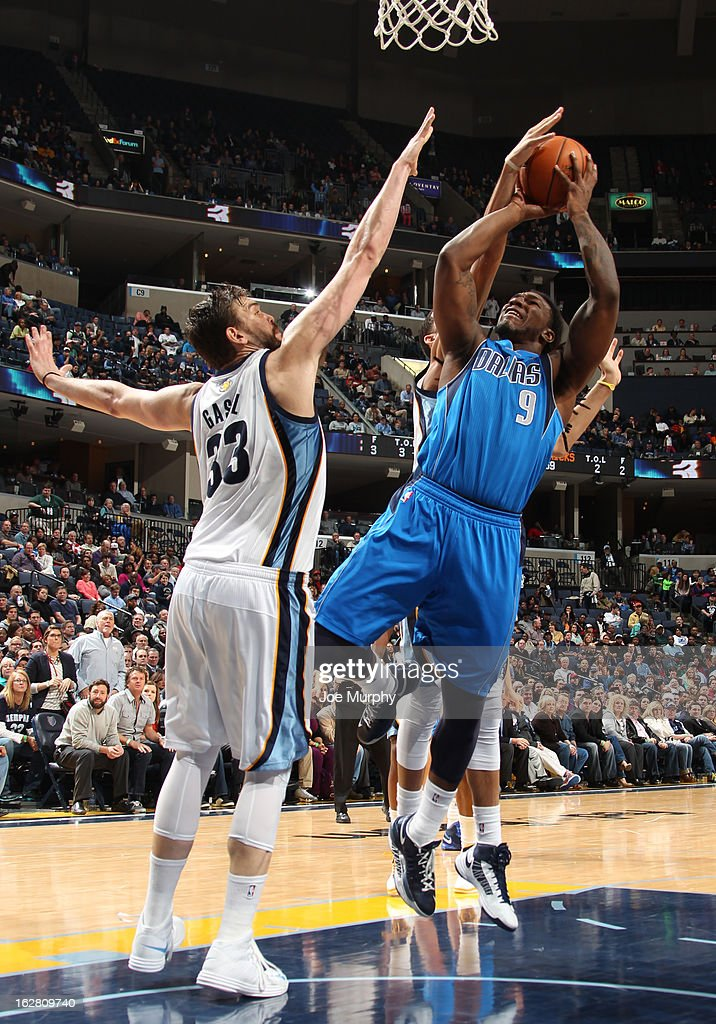 Jae Crowder #9 of the Dallas Mavericks shoots against Marc Gasol #33 of the Memphis Grizzlies on February 27, 2013 at FedExForum in Memphis, Tennessee.