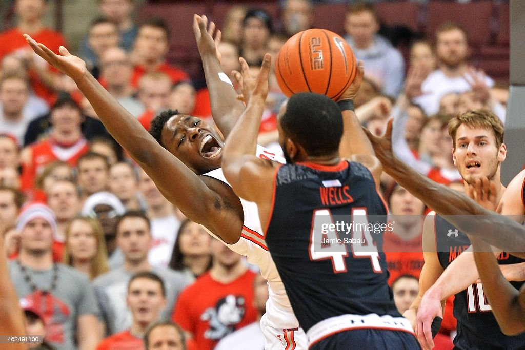 Jae'Sean Tate #1 of the Ohio State Buckeyes reacts as he is fouled attempting to gain control of a rebound in the first half as Dez Wells #44 of the Maryland Terrapins moves in to take control of the ball on January 29, 2015 at Value City Arena in Columbus, Ohio.