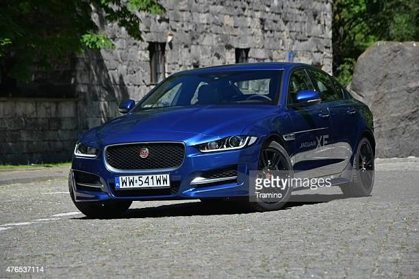 Jaguar XE auf der Straße