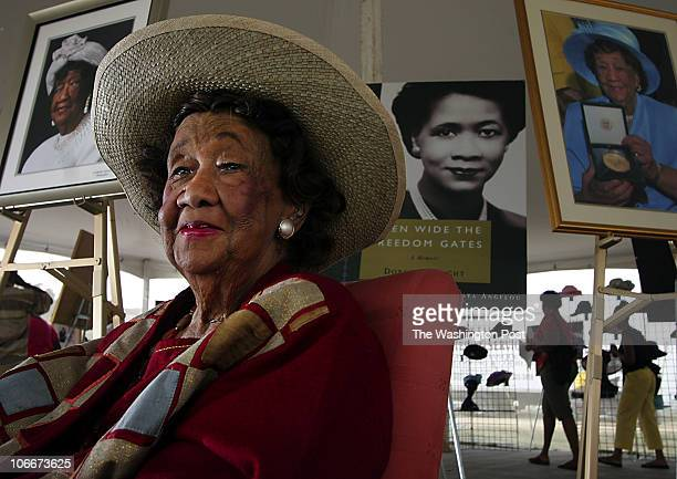 ME_FAMILY 9/10/2005 jahi chikwendiu Dr Dorothy Height one of the founders of the Black Family Reunion in a tent museum that honors her at the 20th...