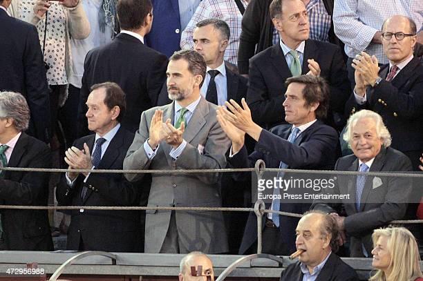 Jaime Alfonsin King Felipe VI of Spain Davila Mihura and Palomo Linares attend San Isidro Bullfighting Fair at Las Ventas Bullring on May 8 2015 in...