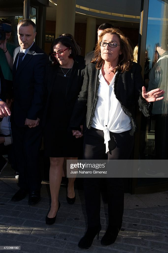 Jaime Hermida, Mabi Hermida and Begona Fernandez attend the funeral chapel for the journalist Jesus Hermida at La Paz Morgue on May 05, 2015 in Madrid, Spain.