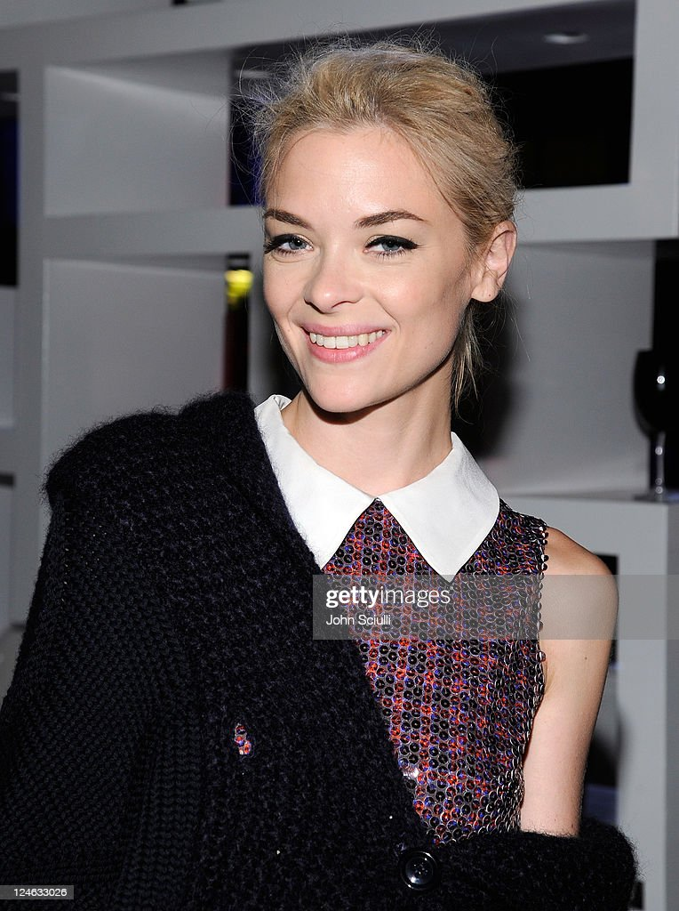 <a gi-track='captionPersonalityLinkClicked' href=/galleries/search?phrase=Jaime+King+-+Actress&family=editorial&specificpeople=206809 ng-click='$event.stopPropagation()'>Jaime King</a> attends the CW launch party presented by Bing at Warner Bros. Studios on September 10, 2011 in Burbank, California.
