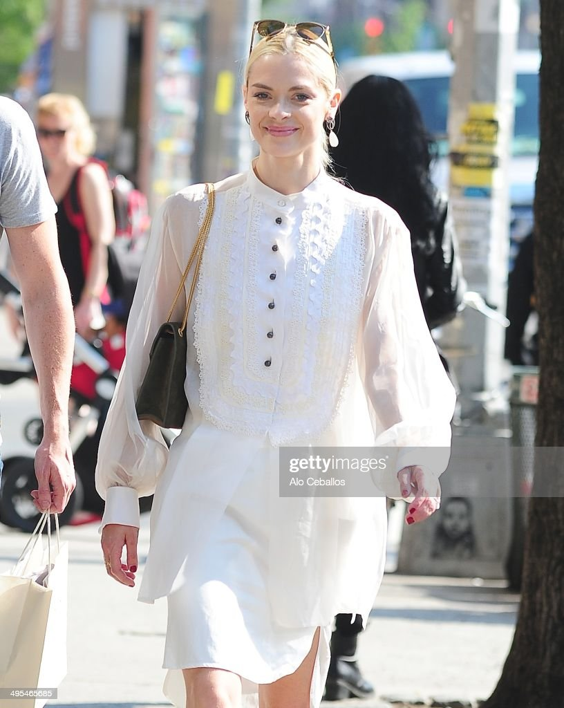 <a gi-track='captionPersonalityLinkClicked' href=/galleries/search?phrase=Jaime+King+-+Actress&family=editorial&specificpeople=206809 ng-click='$event.stopPropagation()'>Jaime King</a> is seen in the East Village on June 3, 2014 in New York City.