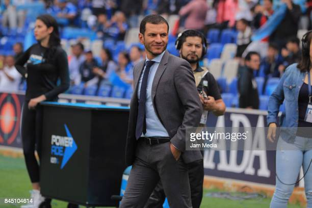 Jaime Lozano Coach of Queretaro looks on prior to the 8th round match between Queretaro and Leon as part of the Torneo Apertura 2017 Liga MX at La...